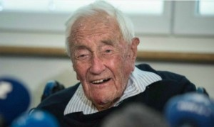 Lời trăn trối của tiến sĩ 104 tuổi ra đi bằng cái chết êm ái