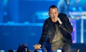 Nỗi lo hiệu ứng tự tử lây lan từ cái chết ca sĩ chính nhóm Linkin Park